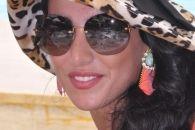 مصمّمة الأزياء زينة صليبي: أحبّ مزج الألوان في تصاميمي