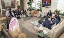 سموّ الأمير الوليد يجتمع مع رئيس مجموعة CJ الكورية