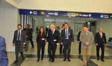 المدير العام لمطار اربيل الدولي تالار صالح: نعمل لبقائنا كمركز مختار للطيران في العراق في الأشهر التسعة الأولى من سنة 2016 ارتفع عدد المسافرين بنسبة 13% مطار أربيل مسجّل في السجلات الدولية من حيث السلامة التحدّيات قائمة لتطوير المطار في المستقبل