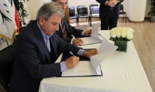 اتفاقية تعاون بين بلدية سن الفيل والجامعة الأميركية في بيروت