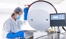 دولة الامارات تفتتح  أكبر مختبر في العالم لفحص وتشخيص الإصابة بـ